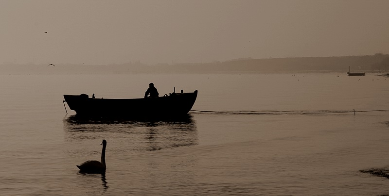 "photo ""FisherMan"" tags: landscape, water"