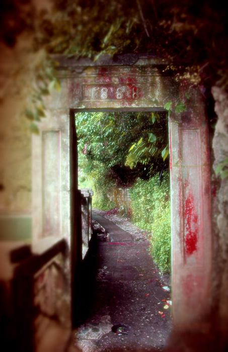 "photo ""The portal"" tags: architecture, landscape,"