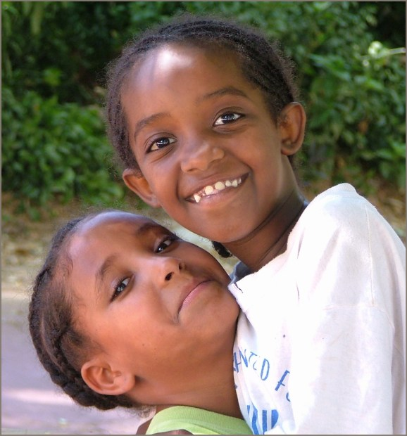 "photo ""Girl-friends ! Children of Ethiopia..."" tags: portrait, children"
