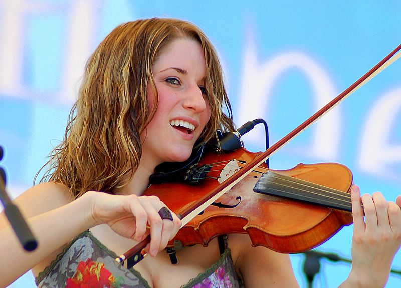 "photo ""Violin"" tags: portrait, reporting, woman"