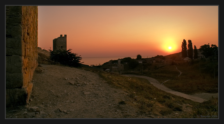 """photo """"Rising above old town"""" tags: landscape, architecture, sunset"""