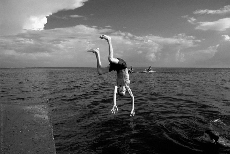 """photo """"Diving Boy"""" tags: black&white,"""