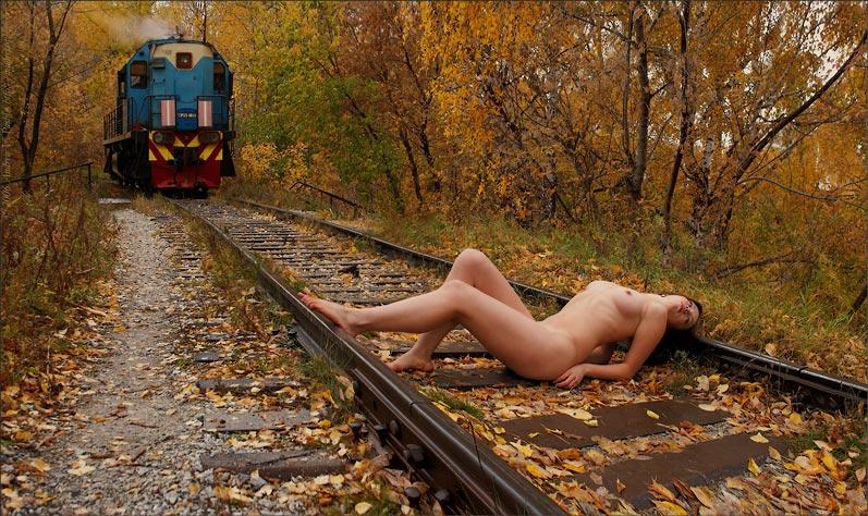 секс фото на железной дороге