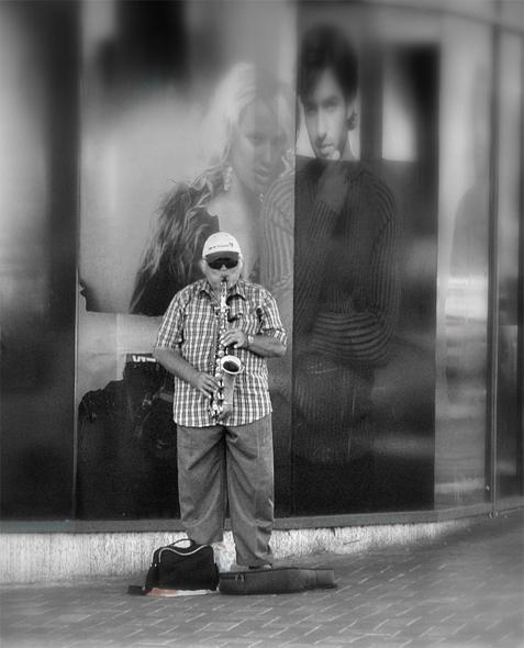 "photo ""Lonely Saxophone"" tags: genre, black&white,"