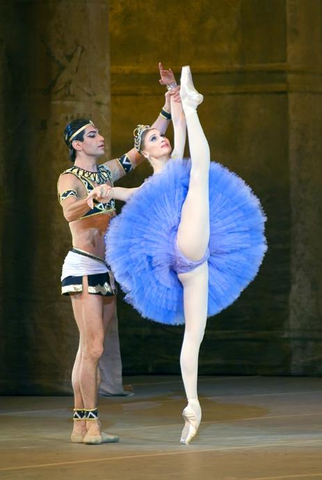Засветы в балете видео, женщины трахают мужика в жопу