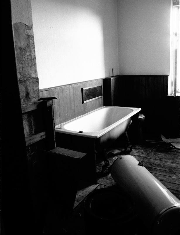 "photo ""Into the tub"" tags: black&white,"