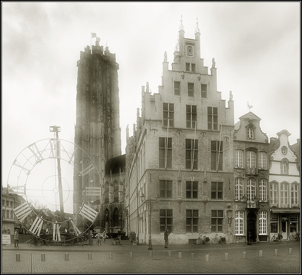 "photo ""When the clock is not needed"" tags: architecture, black&white, landscape,"