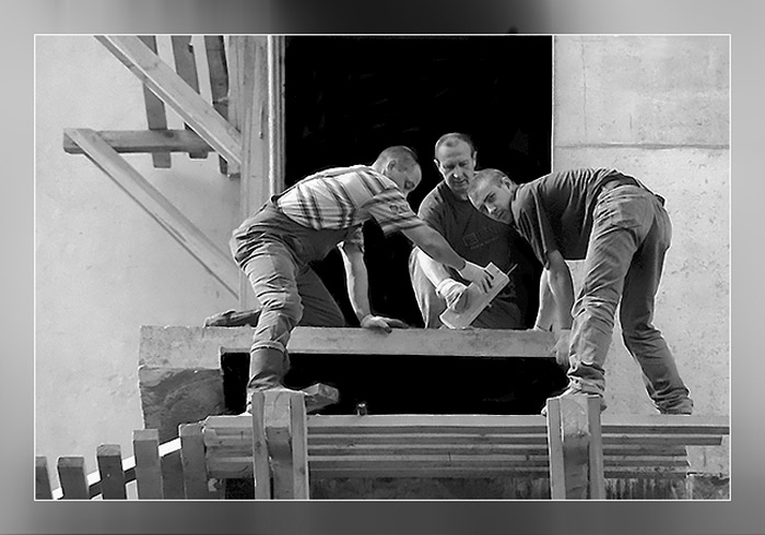 "photo ""Builders"" tags: black&white,"