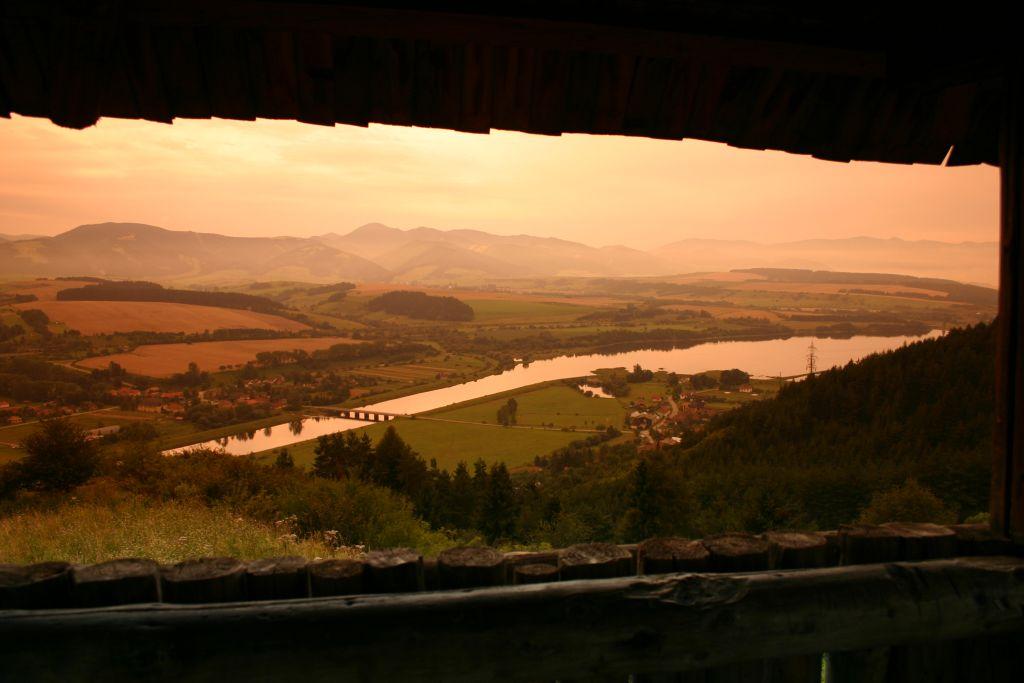 "photo ""Watchtower at Liptovska Mara"" tags: landscape, travel, Europe, mountains"