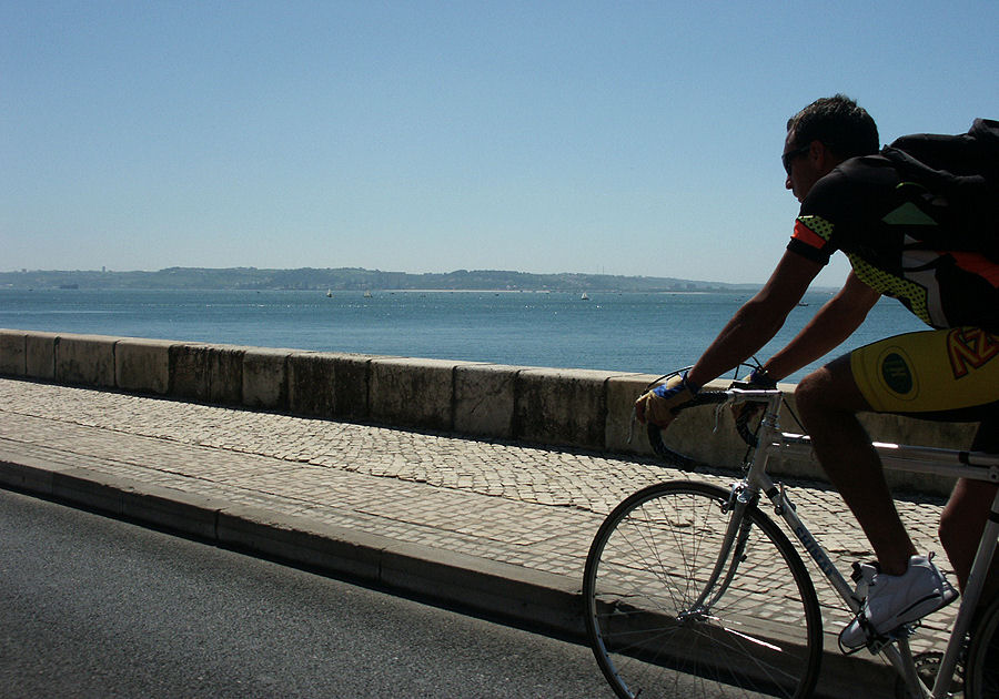 "photo ""The Portuguese love bikes 02/38"" tags: travel, Europe"