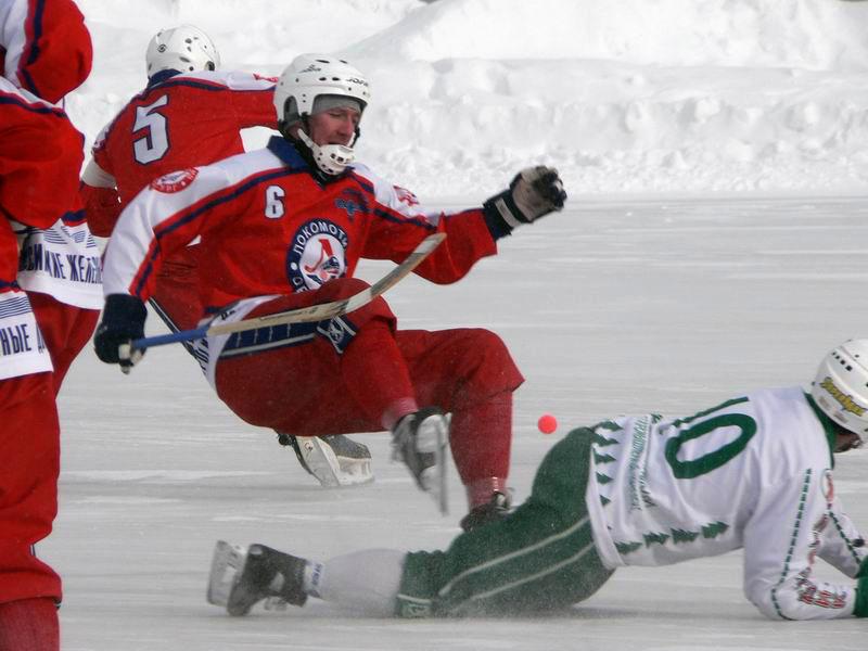 """фото """"Хоккей с мячом (Усть-Илимск - Оренбург)"""" метки: спорт, репортаж,"""