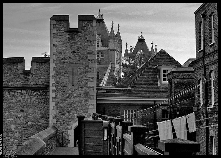 "photo ""London / Tower"" tags: architecture, black&white, landscape,"
