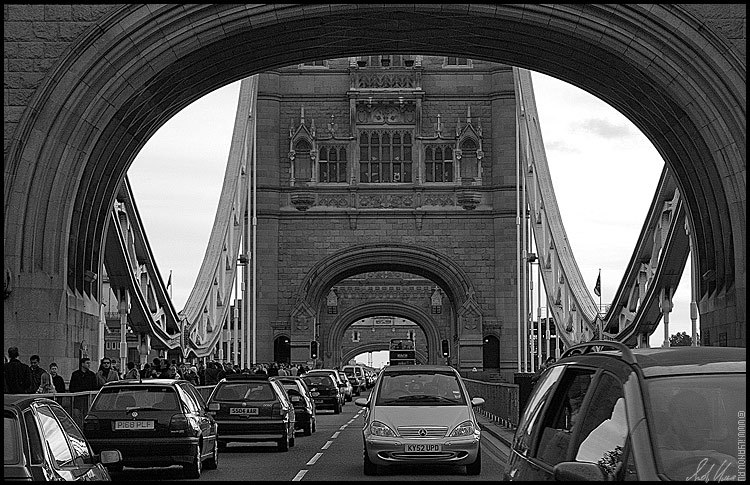 "photo ""Tower Bridge / London"" tags: architecture, black&white, landscape,"