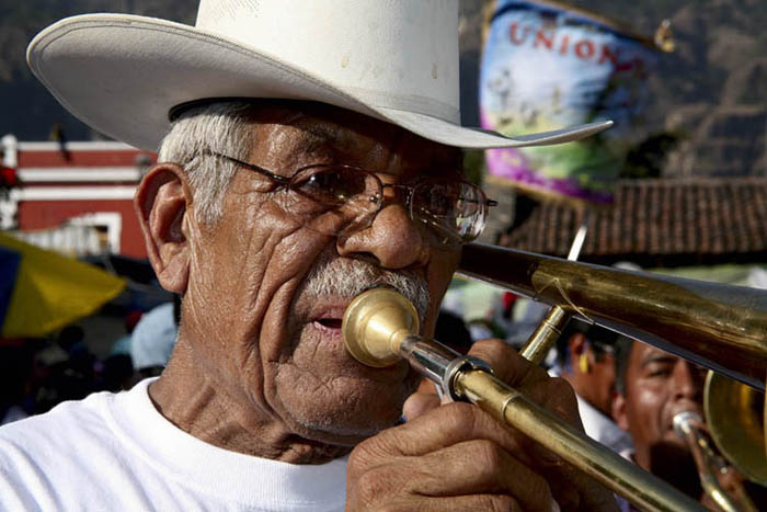 "photo ""MUSICO CARNAVAL"" tags: travel, portrait,"
