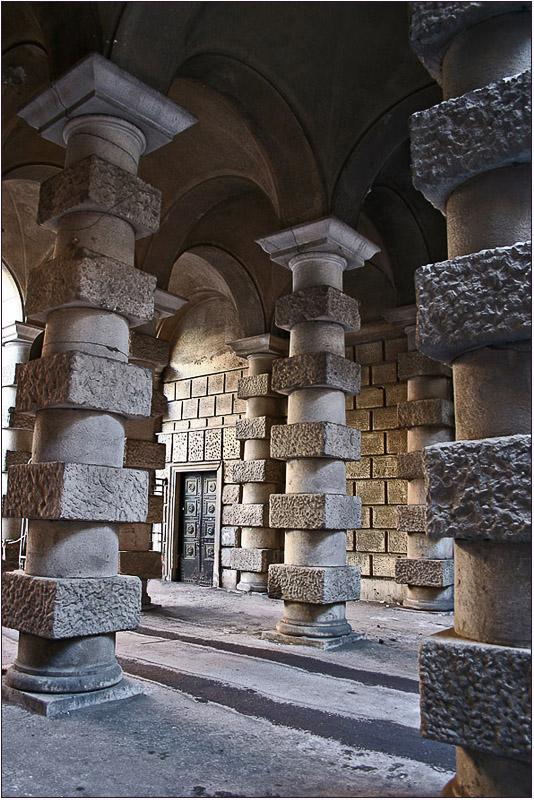 """photo """"Colonnade"""" tags: architecture, landscape,"""