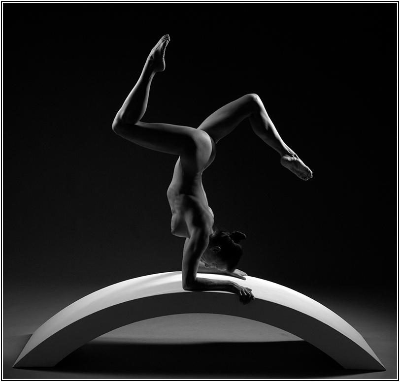 "photo ""0702244306_04"" tags: nude, black&white,"