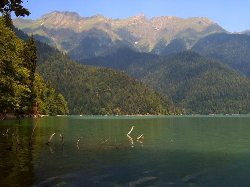 "фото ""озеро Рица"" метки: пейзаж, вода"