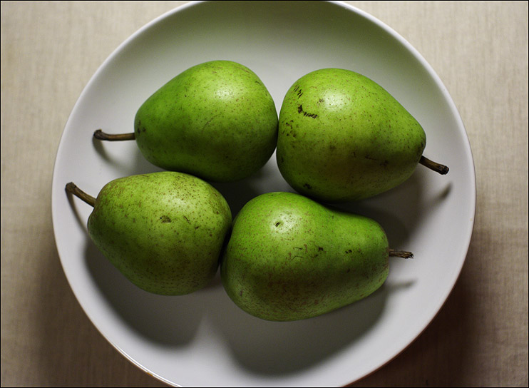 "photo ""Four pears"" tags: still life,"