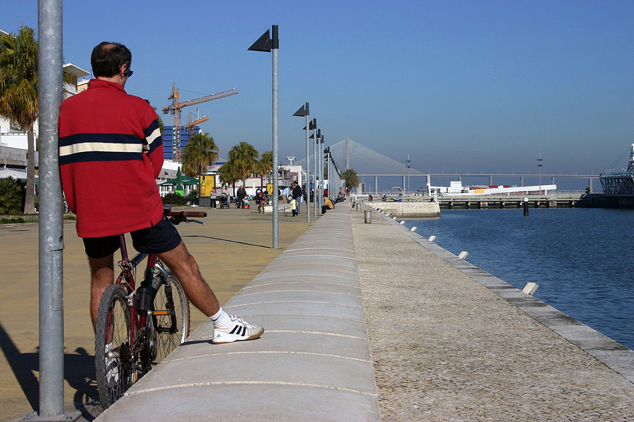 "photo ""The Portuguese love bikes 04/38"" tags: travel, Europe"