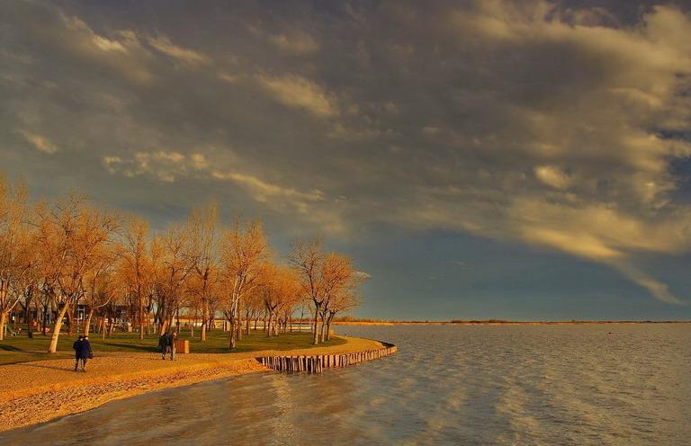 "photo ""Evening walks"" tags: landscape, genre, water"