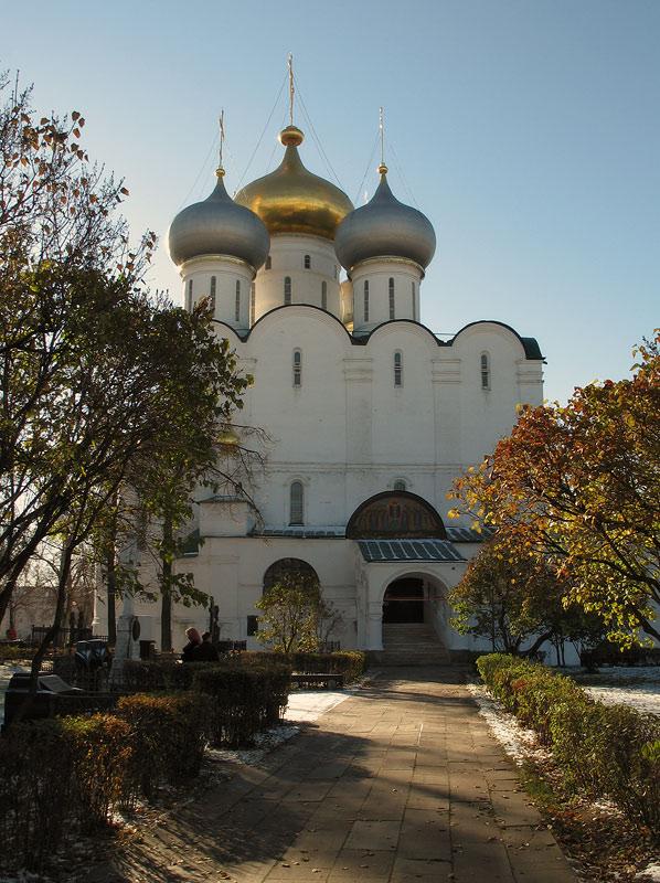 "фото ""Novodevichiy monastery"" метки: архитектура, пейзаж,"
