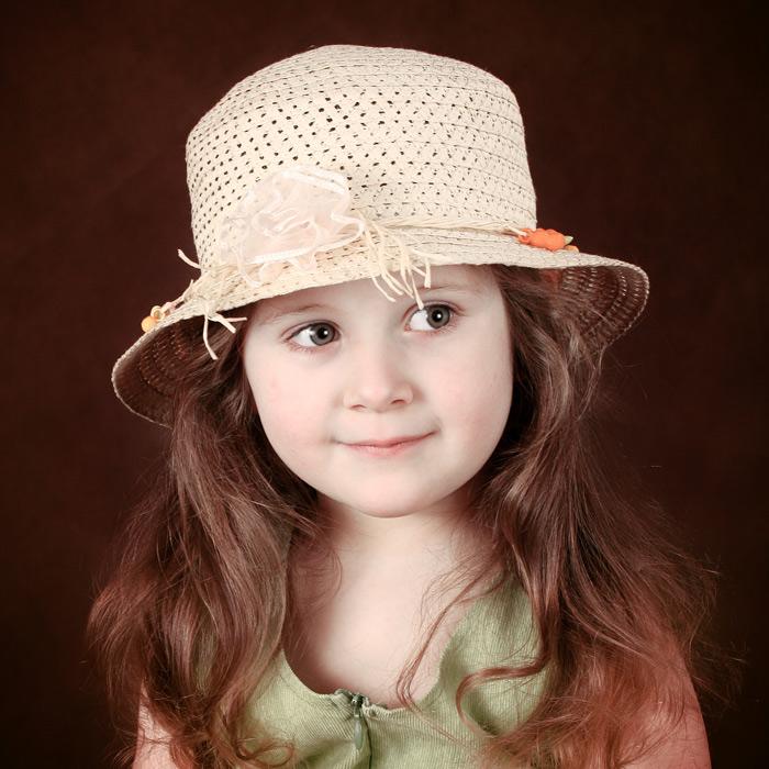 "photo ""Portrait girls in the Hat"" tags: portrait, children"
