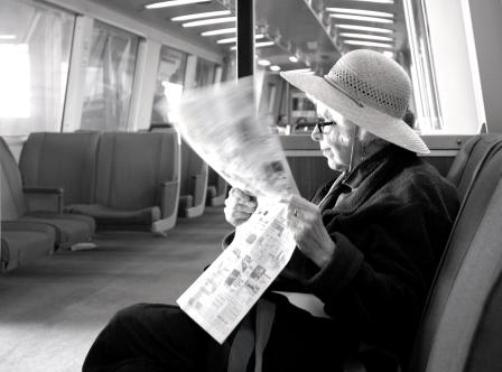"photo ""Lady on the Train"" tags: portrait, black&white, woman"