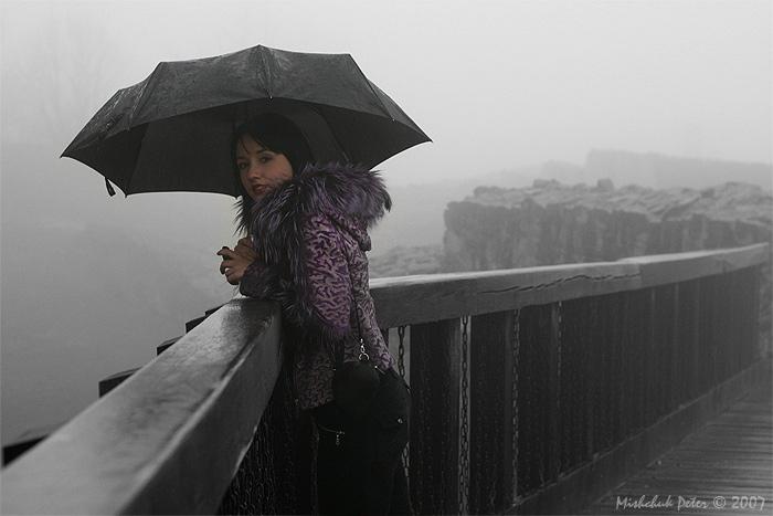 "photo ""Old bridge"" tags: portrait, black&white, woman"