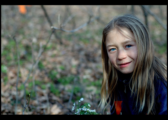 "photo ""A fairy in the woods"" tags: portrait, children"