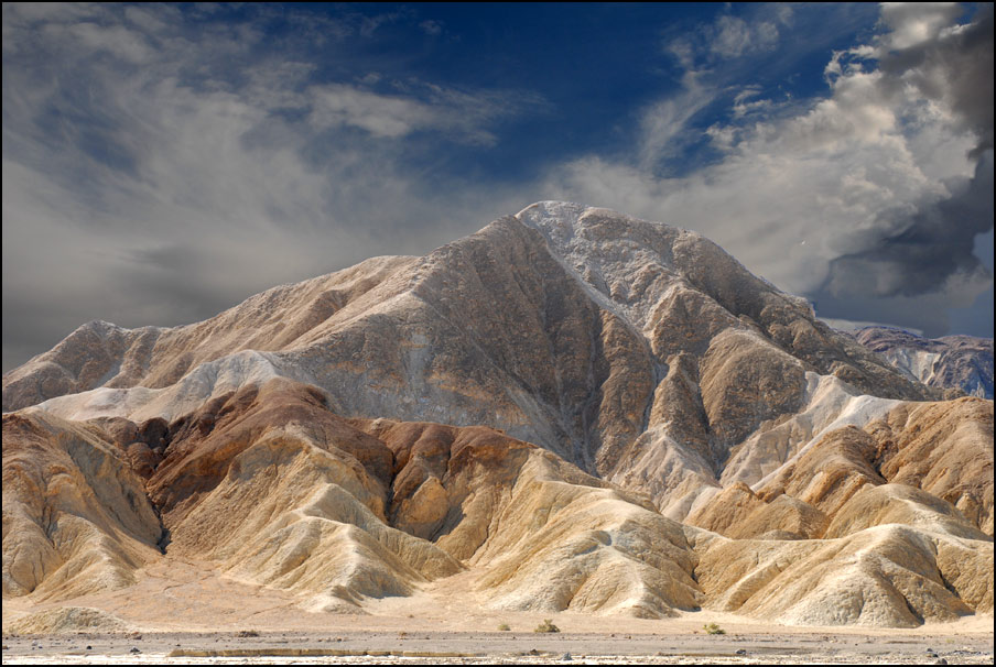 "photo ""Death Valley, USA"" tags: landscape, mountains"