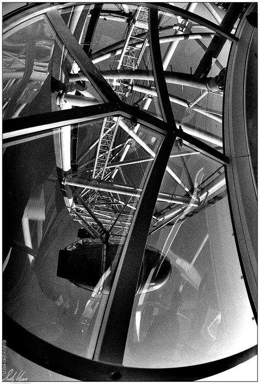 "photo ""London Eye / #1"" tags: black&white, technics,"