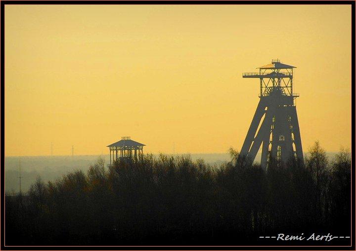 "photo ""old coalmine"" tags: architecture, landscape, sunset"