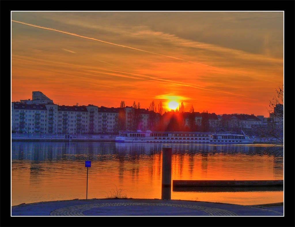 """photo """"Viennas sunset"""" tags: landscape, sunset"""