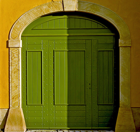 "photo ""Green door"" tags: still life,"