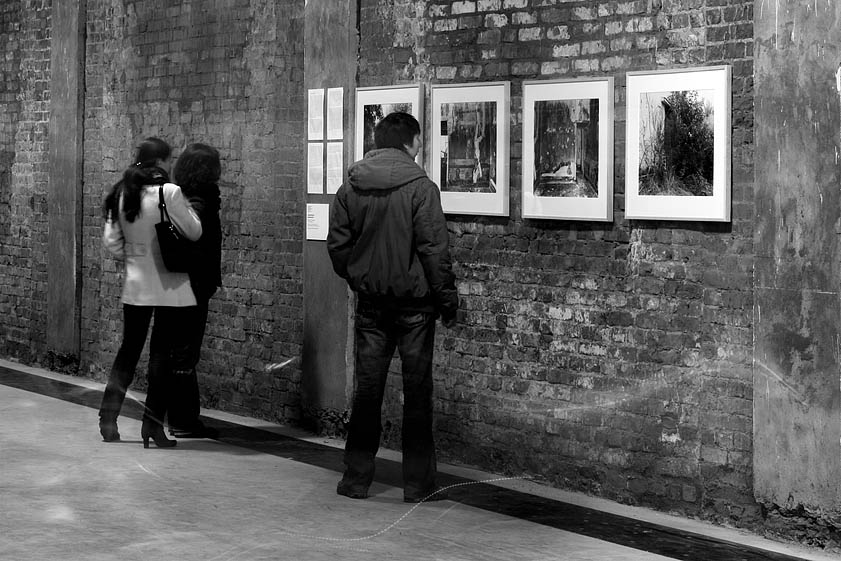 "photo ""introduce to Art2 (biennale8)"" tags: black&white, misc.,"
