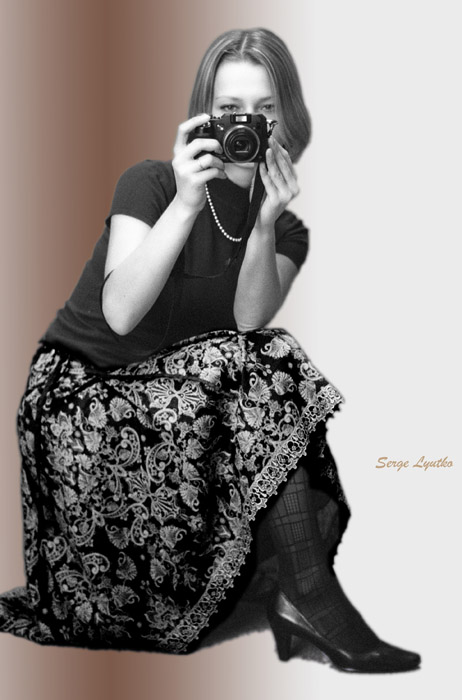 "photo ""Camera girl"" tags: portrait, woman"
