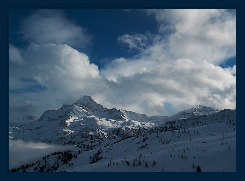 "photo ""Alps: In clouds"" tags: landscape, mountains, winter"
