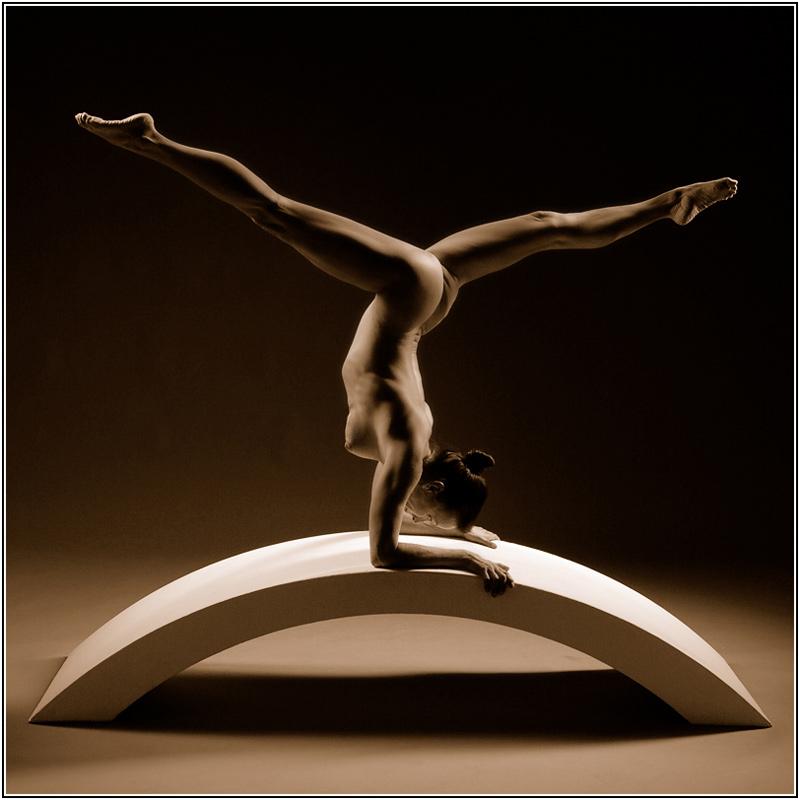"photo ""0702244305_04"" tags: nude, black&white,"