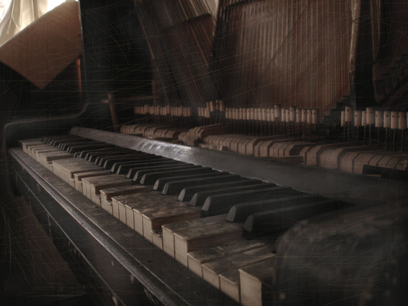 "photo ""old piano"" tags: old-time, genre,"