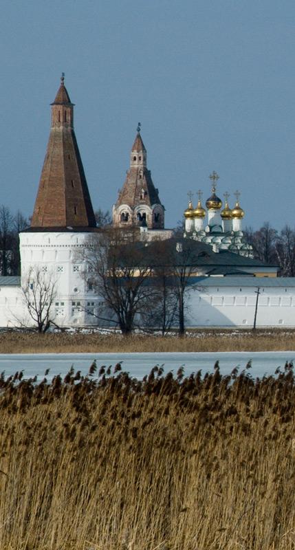 """фото """"Иосифо-Волоцкий монастырь (фрагмент)."""" метки: архитектура, пейзаж,"""