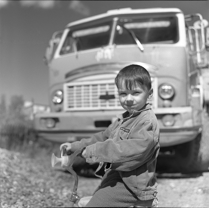"photo ""Son of the chauffeur"" tags: portrait, children"