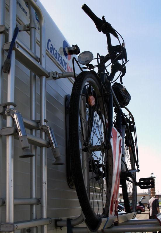 "photo ""The Portuguese love bikes 26/38"" tags: travel, Europe"
