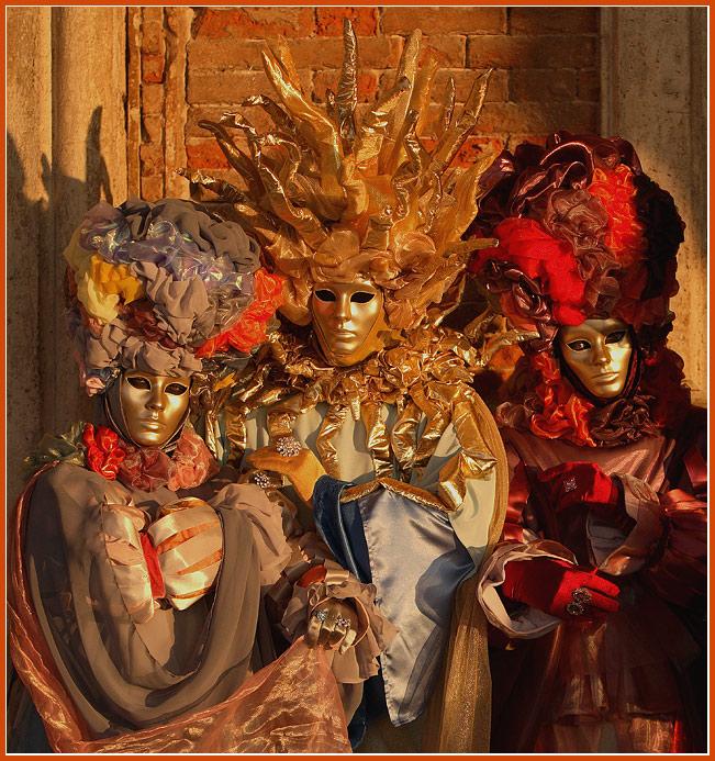 "photo ""Masks #2"" tags: portrait, travel, Europe"
