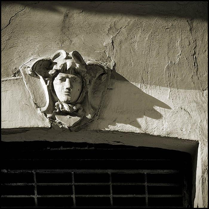 "фото ""...жаждающий свободы..."" метки: архитектура, город, пейзаж,"