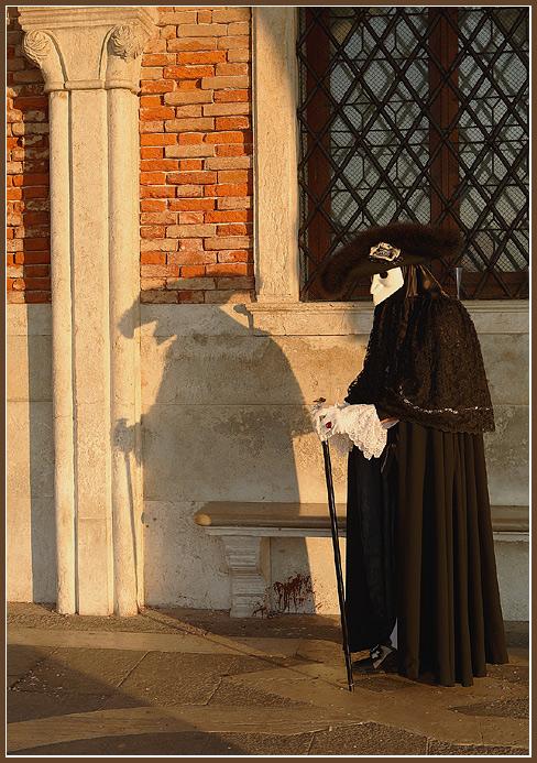 "photo ""Shadow"" tags: portrait, travel, Europe"
