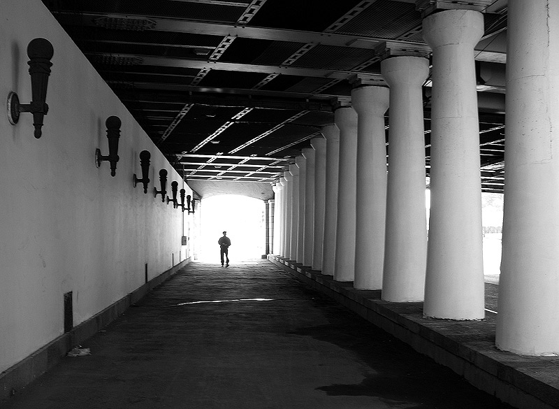 "photo ""About rights under the bridge"" tags: black&white, city,"