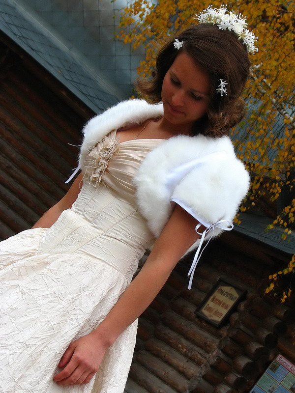 "фото ""Невеста у храма"" метки: портрет, женщина"