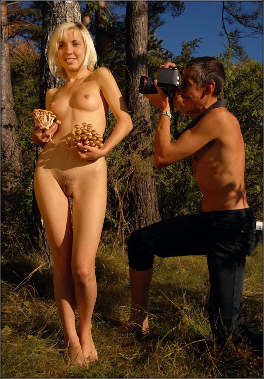 "фото ""ПРЕРОГАТИВА ЖИВОПИСИ: Обнажённая Девушка с Опятами и Стрекозой"" метки: ,"