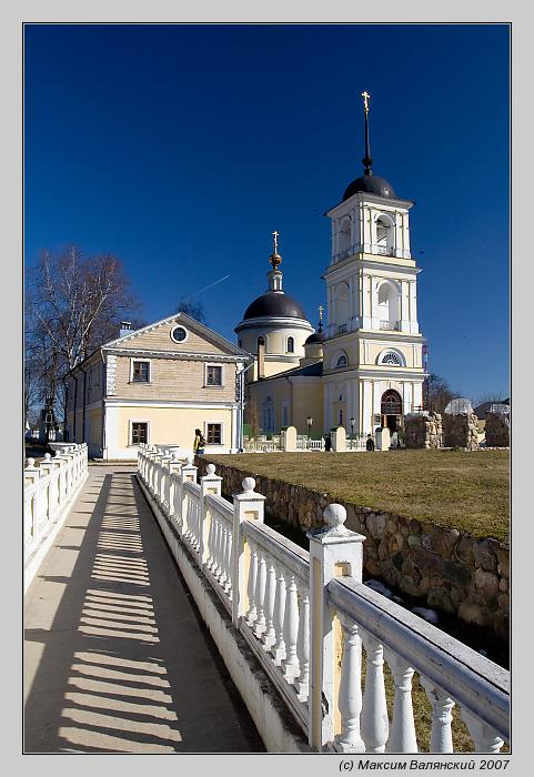 "photo ""Pokrovskaya church / Voskresenskoe"" tags: architecture, landscape, spring"