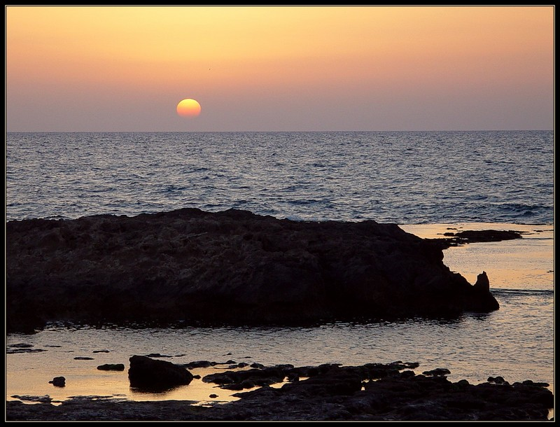 "photo ""Sunset"" tags: landscape, sunset, water"